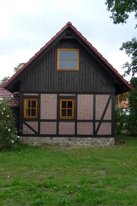 Fachwerkhaus mit verschaltem Gibel