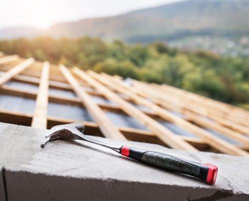 Maßgenaue Montage der Dachlatten